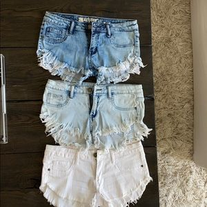 Stretchy denim shorts - 3 washes/colors